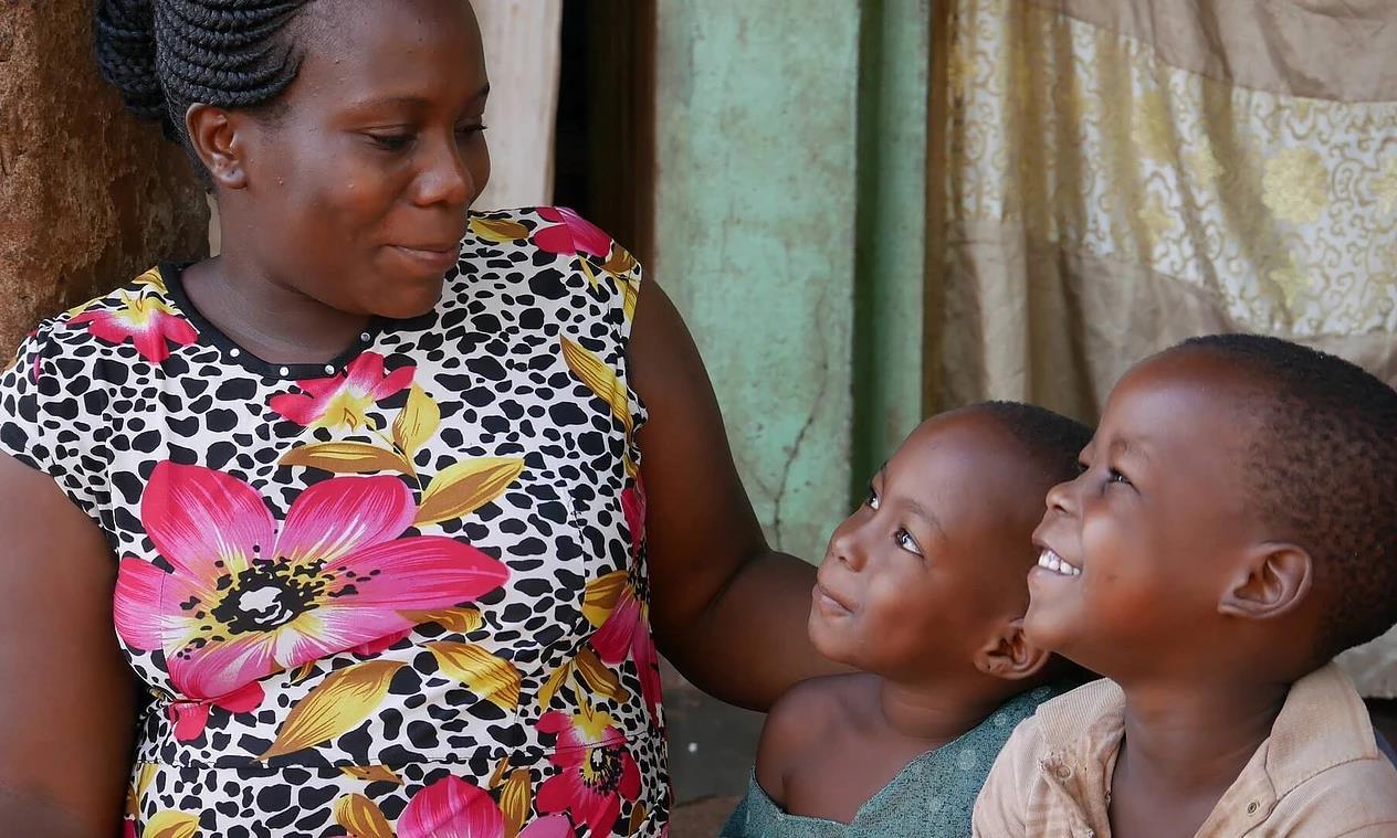 NPOAIDS孤児支援 NGO・PLAS